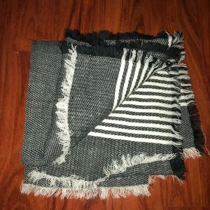 Dry goods black and white patterned wrap scarf